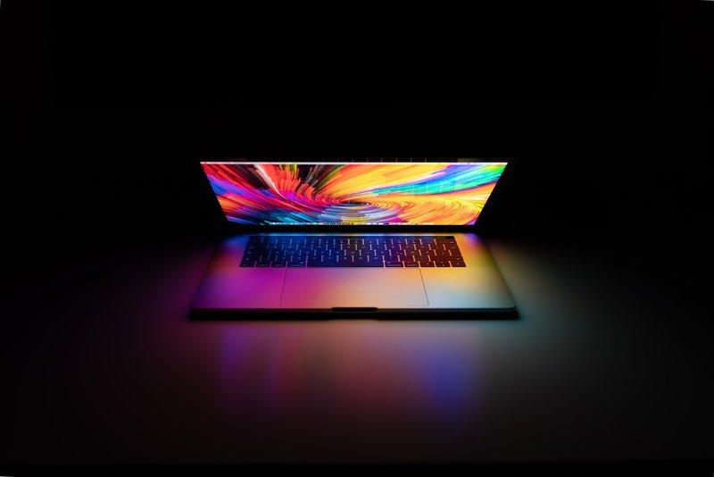 Strategia pozycjonowania sklepu z laptopami może być nastawiona na słowa kluczowe z długim ogonem.